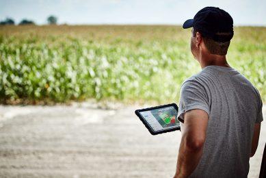 Digital tools from Bayer help farmers make better decisions, helping them manage risk and maximize yield. ----------------------- Digitale Lösungen von Bayer helfen Landwirten, bessere Entscheidungen zu treffen, Risiken zu managen und den Ertrag zu optimieren.