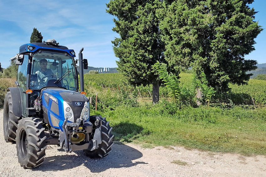 Satellite guidance, remote monitoring, active steering that self-centres after turns, counters sideways forces across sloping ground and becomes less sensitive at speed on the road are among Landini ADS features.