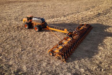 Jacto launches hybrid self-propelled seed drill