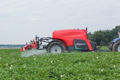 iXtrack sprayer: large choice of automated functions