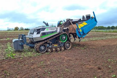 AgXeed robot tractor test drive: first impression
