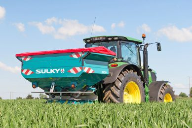 Sulky  budget spreader  features section control