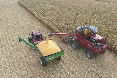 By autosteering along a guidance path, parallel to the combine s previous pass, Ag Leader s CartACE system keeps the grain cart in the correct unloading position.