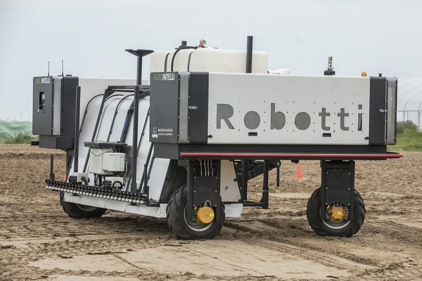 Deze Robotti is een gerobotiseerde werktuigendrager.