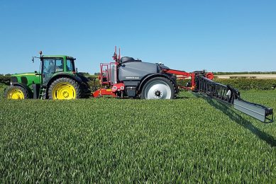 Syngenta spraying assistant app adds agronomy factors