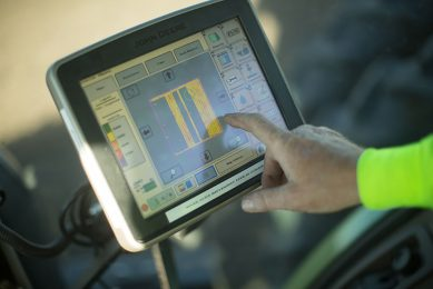 Winfield United connects John Deere to Data Silo