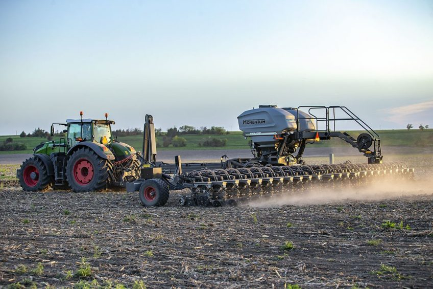 Managing soil compaction with Fendt Momentum planter