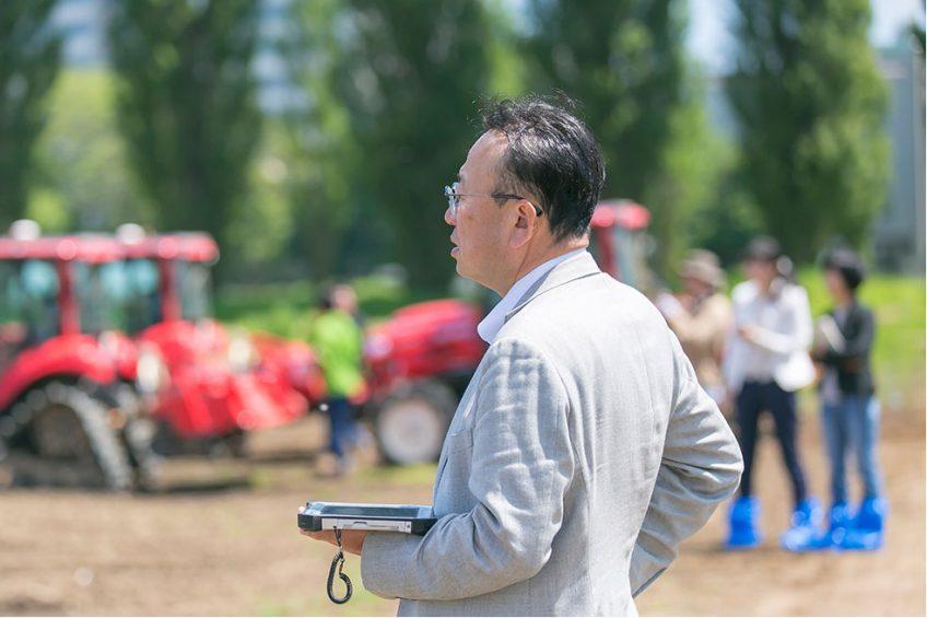 Hokkaido University creates this autonomous tractor swarm