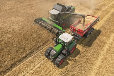 Tyre system cuts combine soil compaction by 10%
