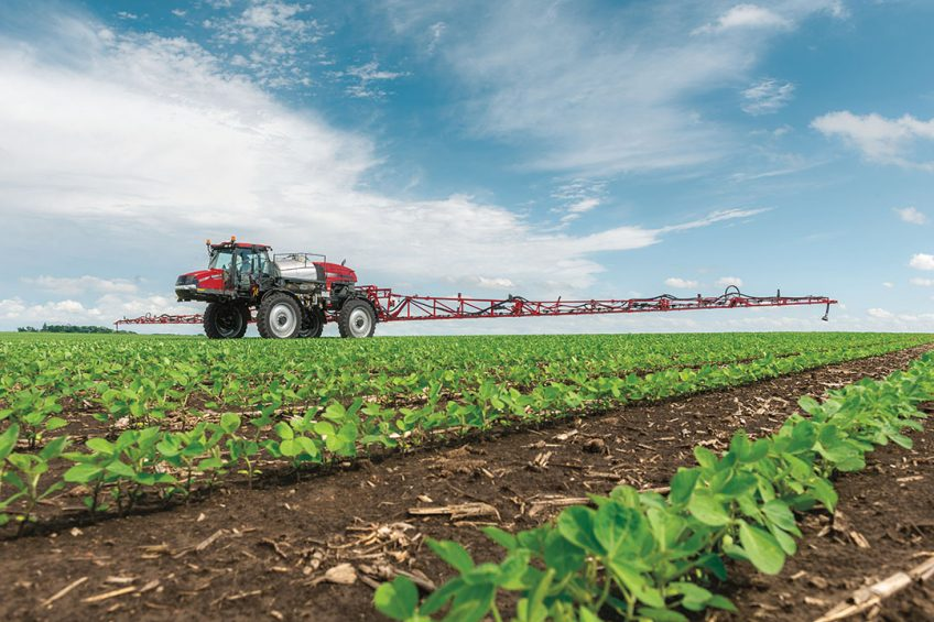 Automatic boom height control on Case IH sprayers