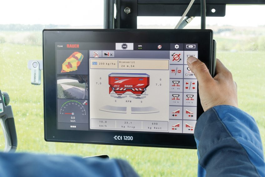 Twin capability for new ISOBUS CCI 1200 terminal