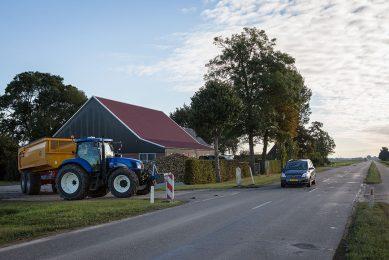 403545 Maatregelen om de verkeersveiligheid te verbeteren tijdens de bietenoogst. Arjan Breure 06-51206304