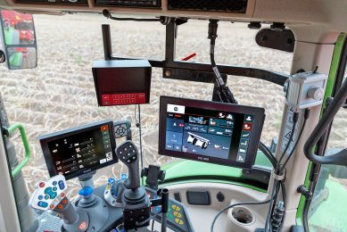 Grimme splits operator interface on 2 Isobus terminals