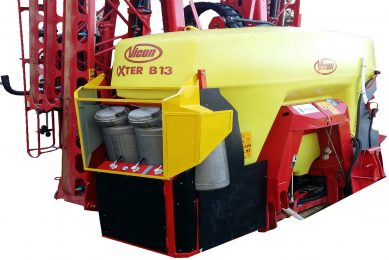Sprayer technology varies tank mixes while on the move