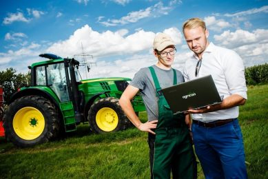 John Deere and Agricon to provide agronomic digital services