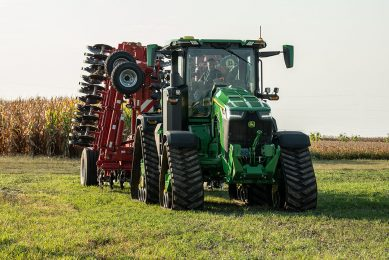 John Deere brings 8RX smart tractor to South Africa