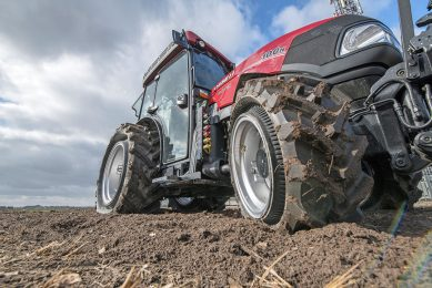The PneuTrac is quite at home with low tyre pressure: that is where it excels. When pressure increases, the track tyre behaves in exactly the same way as a conventional tyre.