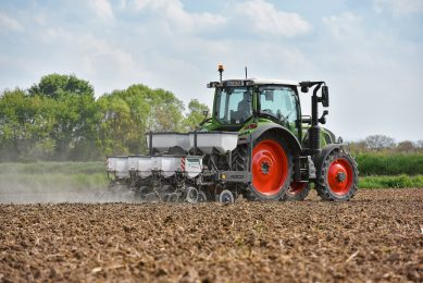 Fendt assessing sowing technology from Precision Planting
