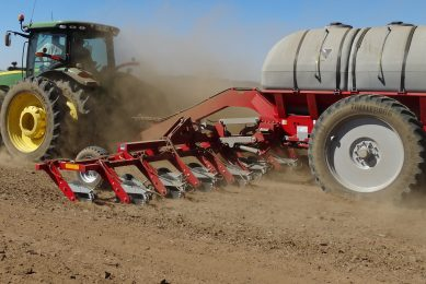 Planting more hectares a day with AgriCAD liquid fertiliser system