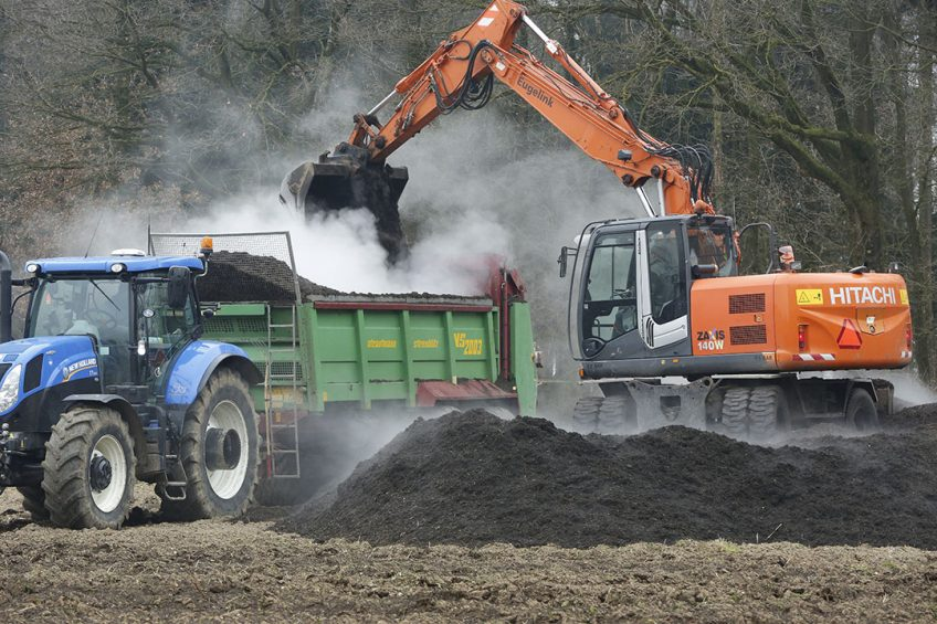 Compost key to sequestering carbon in the soil