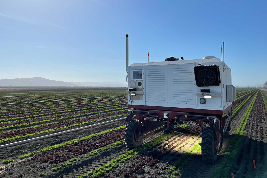 The bedtop lighting allows sufficient accuracy to run day and night. The company says the lighting was one of the toughest hurdles to overcome. - Photo: Carbon Robotics