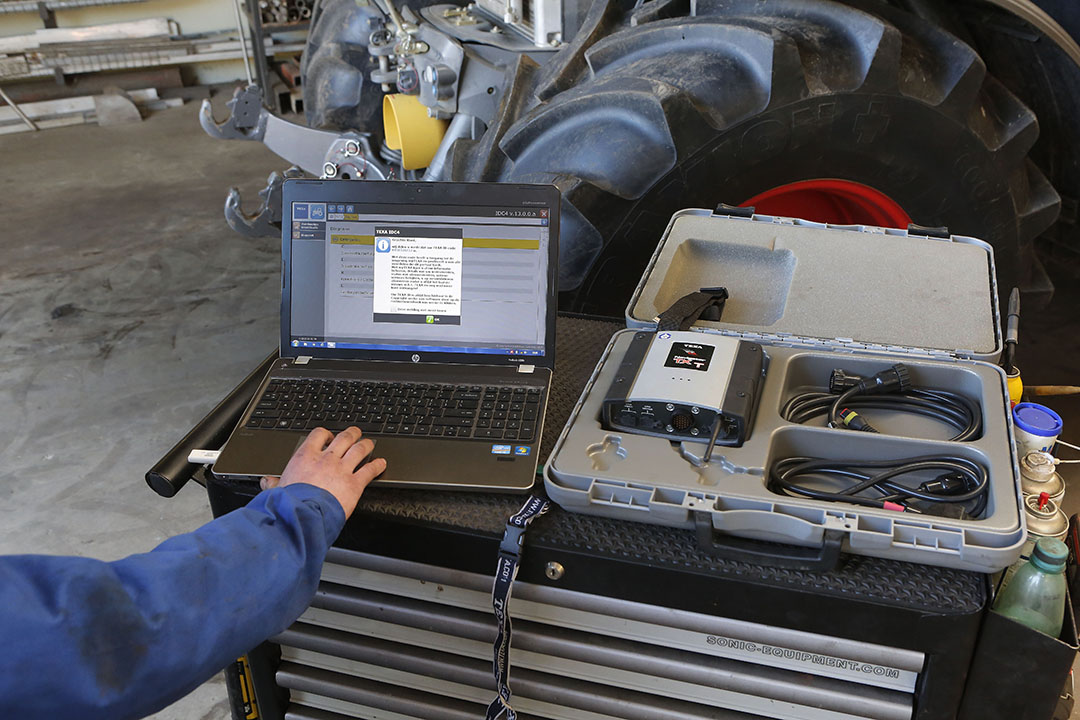 In Europe, according to the European Tractor Mother Regulation 167/2013, machine manufacturers have been obliged to share information since 2016 if an unauthorised technician requests it. In practice however, it proves not to be that simple for many technicians. - Photo: Henk Riswick