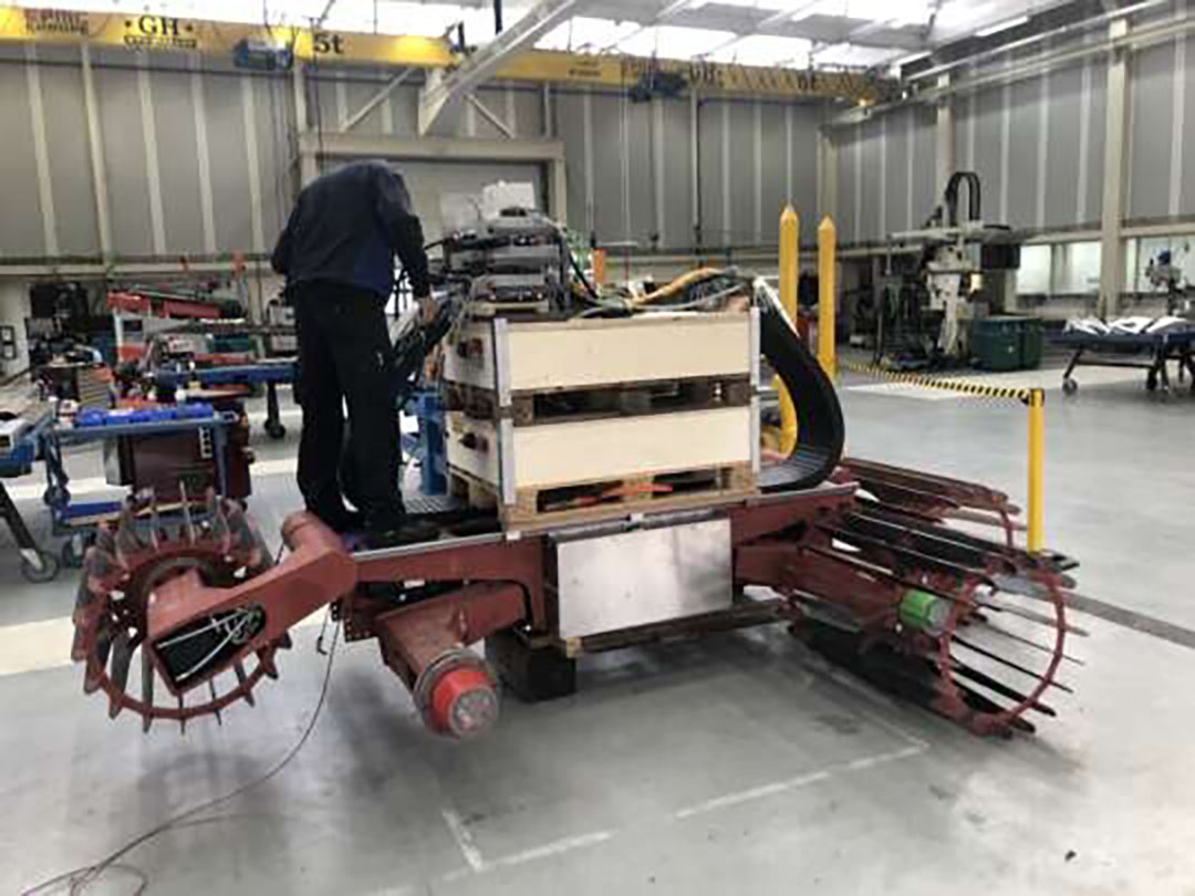 The lightweight hydrogen-powered field robot E-robotiller is being developed by a group of arable farmers together with Dutch company Reedyk Hydrauliek. - Photo: HWodka