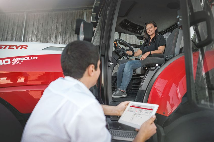 Steyr's tractor ranges, from the 58-65hp Kompakt S series to the 250-313hp Terrus CVT, can now be equipped with S-Fleet telematics, and this is available not just for new machines but also for older models or ranges. - Photo: CNH Industrial