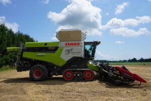 Claas combine harvester on tracks. - Photo: Matt McIntosh